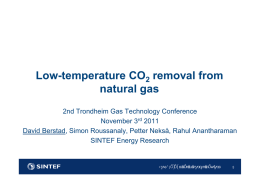 Low-temperature CO removal from natural gas
